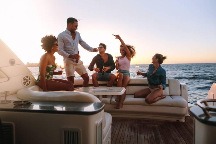 lake las vegas yacht